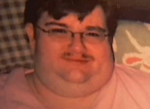 .smh.com.au u2014 An obese US man had to be cut from a chair he had been sitting in for two years after his body became fused to it ...  sc 1 st  Bubba the Love Sponge & 900-Pound Man Dies After Sitting in Recliner for 8 Months | Bubba ...